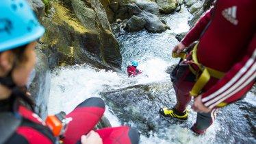Canyoning in de Auerklamm in het Ötztal, © Tirol Werbung/Peter Neusser