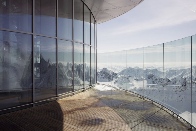 Tijdens een kop koffie meer dan 50 bergtoppen boven 3.000 meter bekijken, foto: Tirol Werbung, Verena Kathrein