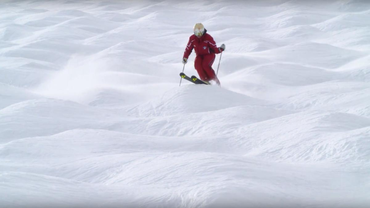 Leren skiën: hobbels op de piste   skilessen online, © Tirol Werbung