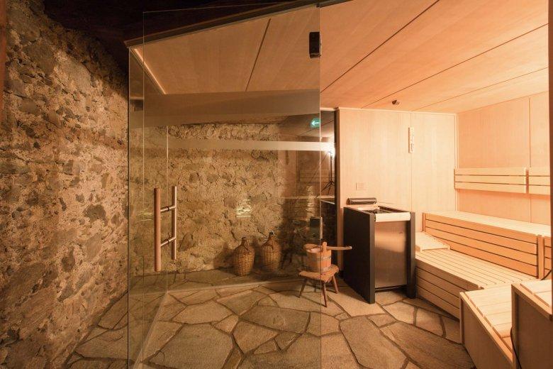 Moderne techniek in een oude boerderij; de sauna in de kelder is, zeker in de winter, genieten geblazen. (Alle foto's: Hof Alpenjuwel)