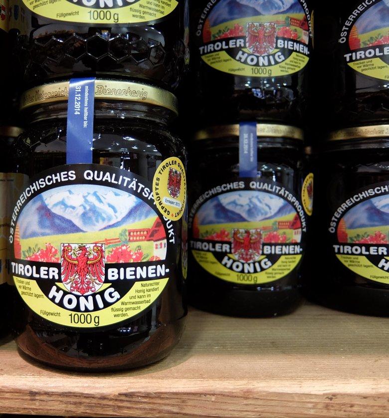 Heel veel Alpenbijen steken hun hart en ziel in deze honing