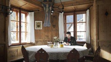 Genieten van heerlijke Tiroler specialiteiten bij Wirtshäuser, © Tirol Werbung/Verena Kathrein