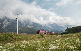 Veel wandelroutes zijn ideaal voor mensen die met bus of trein reizen.