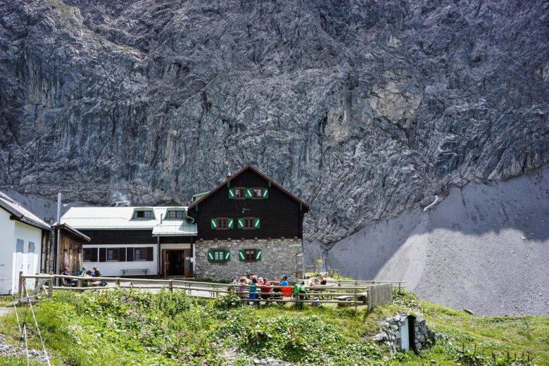 Aankomst bij het idyllische Anhalter Hütte