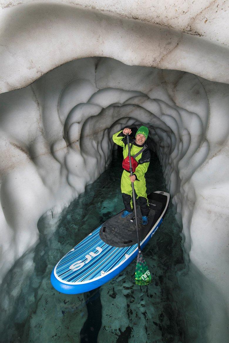 Stand Up Paddeling in het Natur-Eis-Palast. , © TVB Tux Finkenberg
