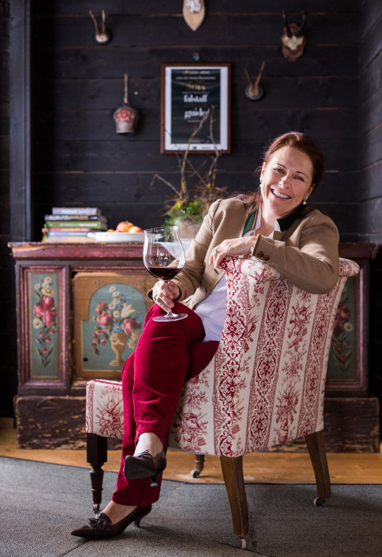 Annemarie Foidl führt gemeinsam mit ihrer Tochter Katharina die Angerer Alm und ist außerdem Präsidentin des Österreichischen Sommelierverbandes.