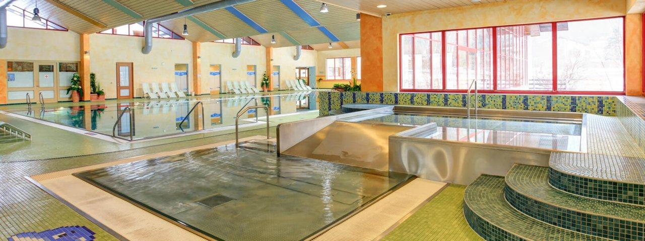 Binnenzwembad in het Wellnesspark, © Wellnesspark Arlberg Stanzertal