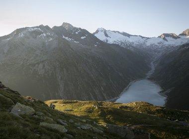 Oesterreich Austria, Tirol Tyrol, Zillertal, alpine chalet cottage, Olperer Huette 07/2016