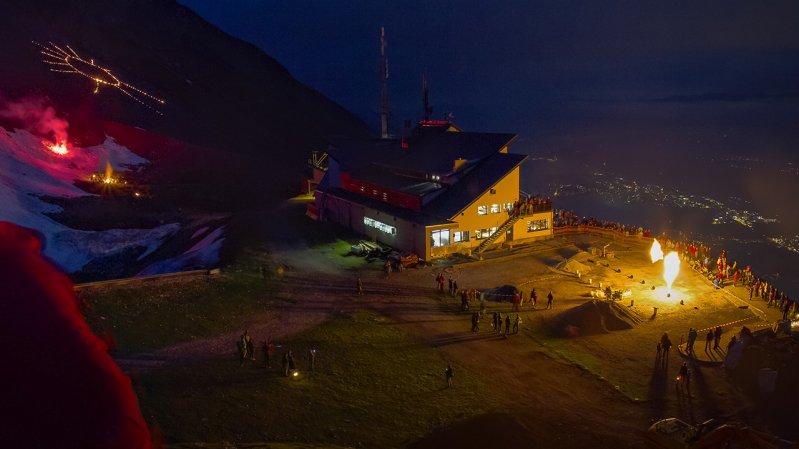 Zonnewende-bergvuren op de Seegrube boven Innsbruck, © Andreas Amplatz / Nordkettenbahnen