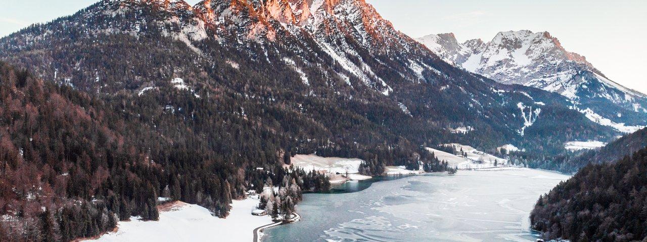 De winterse Hintersteiner See, © Discover Austria