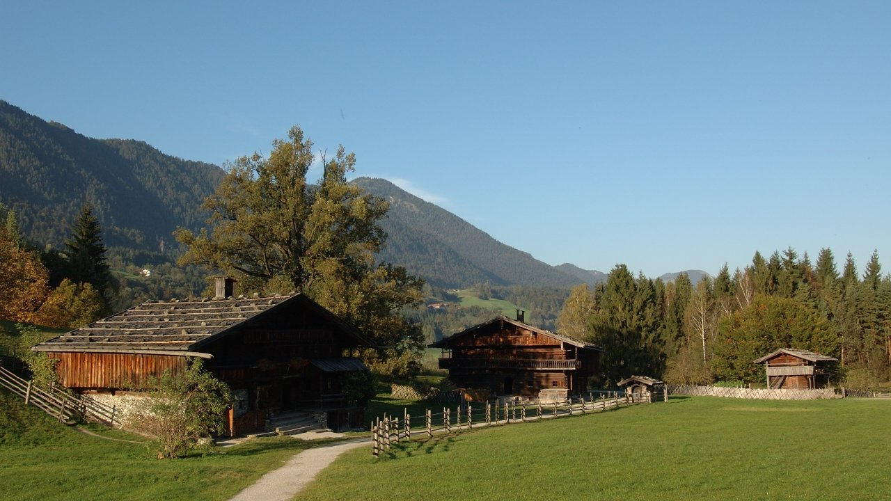 Museum Tiroler Bauernhöfe in de herfst, © Alpbachtal Seenland Tourismus