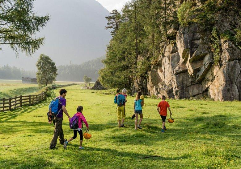Familienklettern-Header, © Tirol Werbung, Hans Herbig