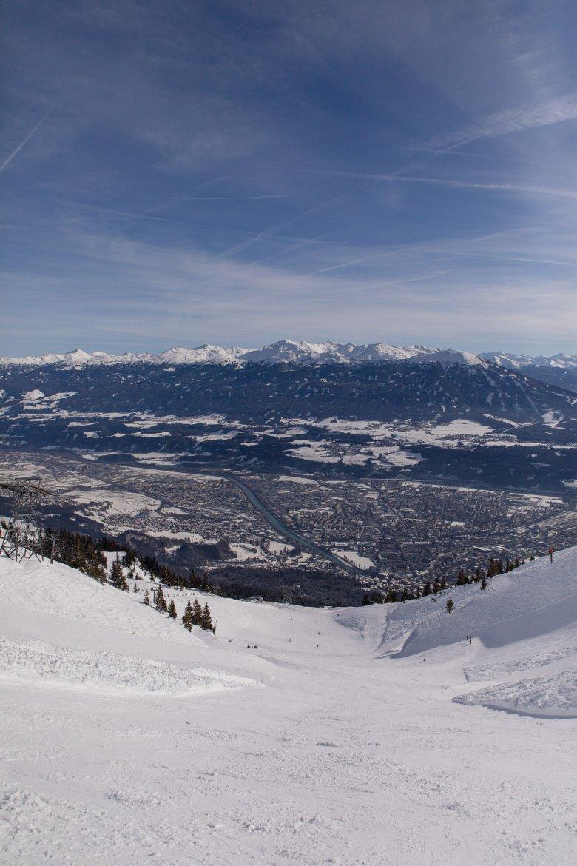 """Omwille van dit panorama heet het snowpark op de Nordkette """"Skyline-Park"""""""