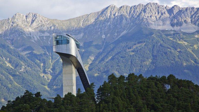 Bergiselschans met de Nordkette, © Innsbruck Tourismus/Christof Lackner