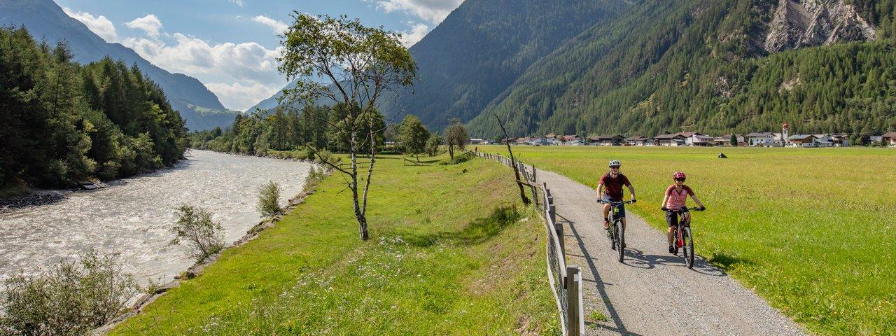 Ötztal fietspad langs Ötztaler Ache, © Ötztal Tourismus/Lukas Ennemoser
