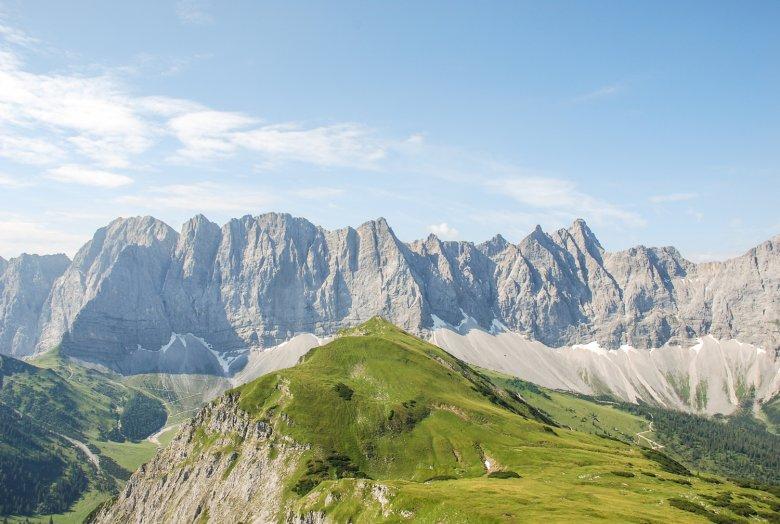 Vanaf de Mahnkopf boven de Falkenhütte is dit het uitzicht op de Laliderer Wände. Foto: Jannis Braun, © Jannis Braun