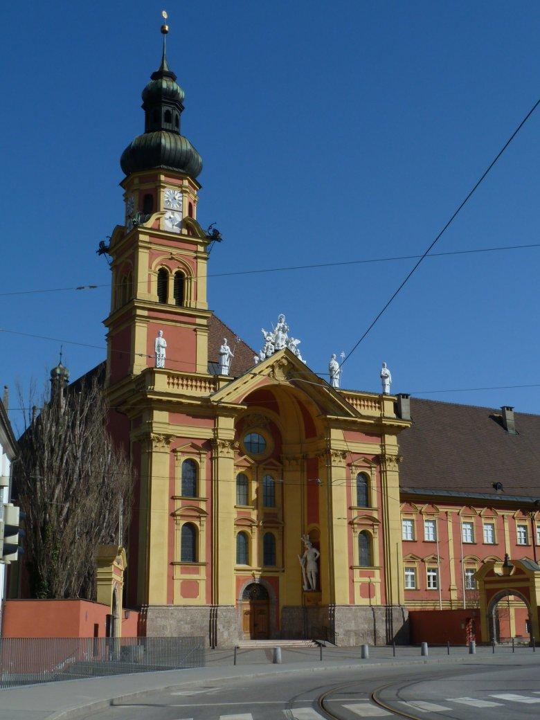 Het klooster Wilten in Innsbruck, werd het echt door de reus Haymon gebouwd?  Foto: Tirol Werbung/Bernhard Aichner