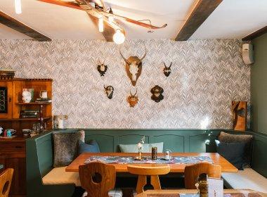 Gasthof Edelweiß werd van Miriam en Dave omgebouwd tot een hostel met café en restaurant