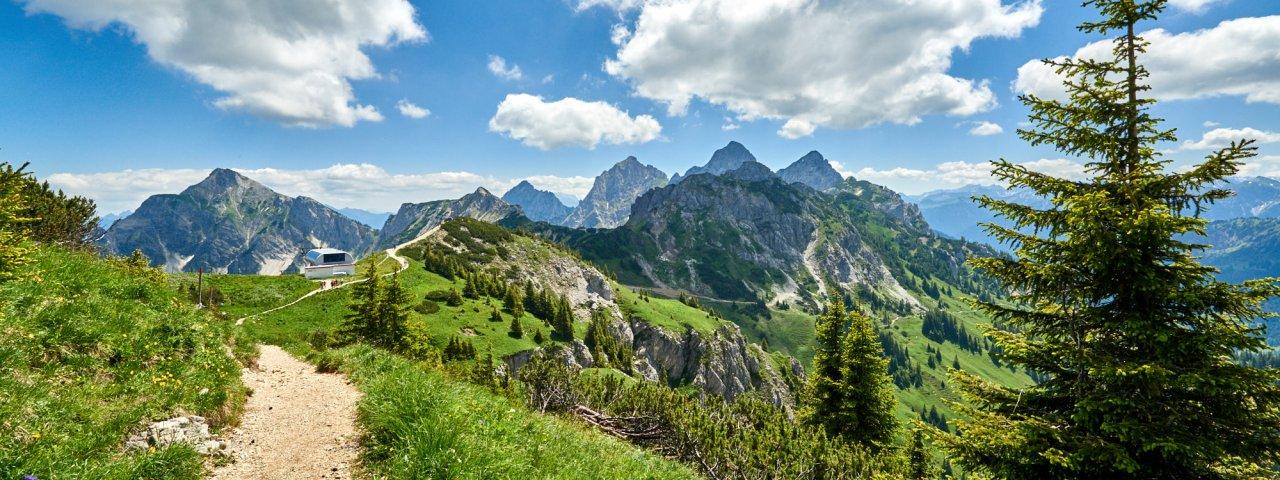 Tweedaagse tour: Grän - Füssener Jöchl - Tannheimer Hütte - Höfen, © Aussicht ins Tannheimer Tal vom Füssener Jöchle