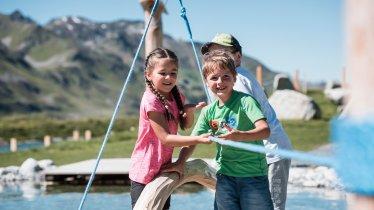 Interactieve speeltuin bij de rondwandeling 'Mutspuren', © Tourismusverband St. Anton am Arlberg / ABBAG