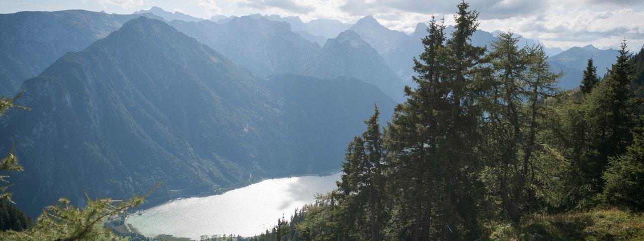 Adelaarsweg etappe 8: Blick auf den Achensee, © Tirol Werbung/Jens Schwarz