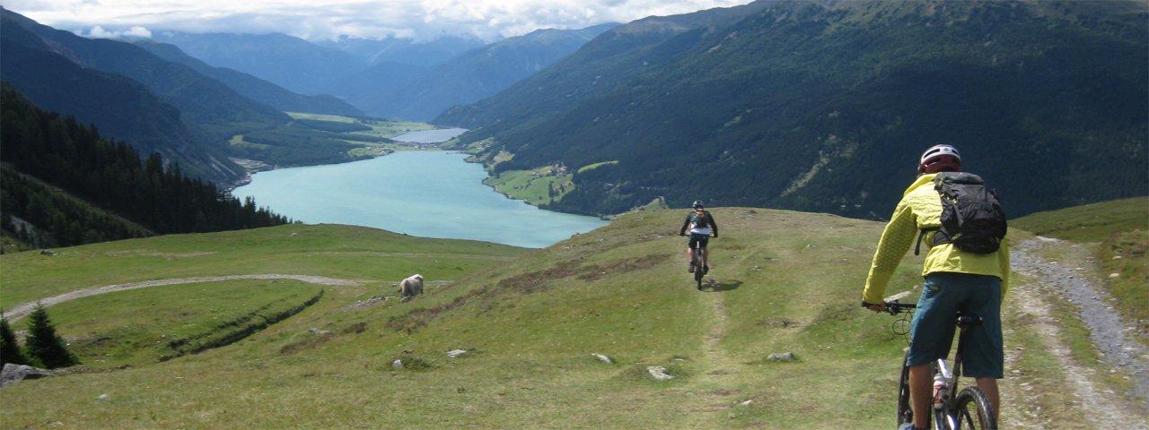 Tirol Mountain Bike Safari Etappe 1: Reschensee, © Tirol Werbung/Esther Wilhelm